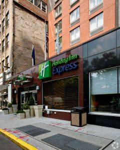 A Hell's Kitchen Holiday Inn refinanced in the transaction.