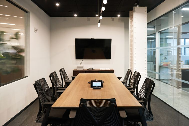 Industrious space has modern conference rooms.