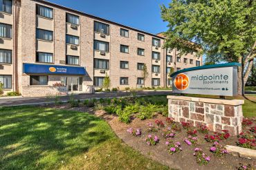 Midpointe Apartments at 4050 West 115th Street in Chicago.