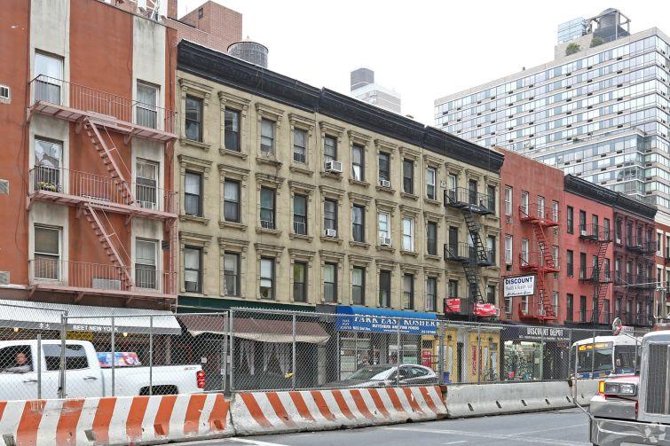 1625 Second Avenue.