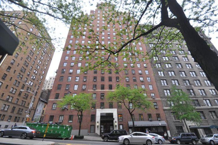 752 West End Avenue.