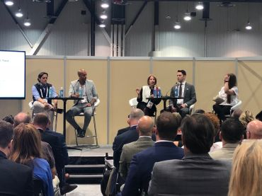 From left to right: Aaron Sanandres, the CEO of UNTUCKIt, Mohamed Houache, the CEO of Storefront, Eastern Consolidated broker Robin Abrams and Brandon Hoffman of Ashkenazy Acquisitions talk about how landlords can attract e-commerce retailers.