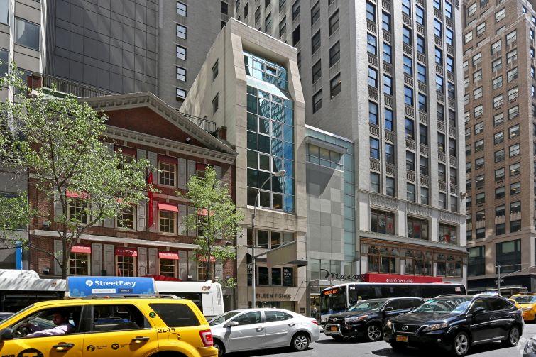 521 Madison Avenue