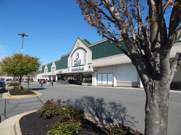 Maple Avenue Shopping Center
