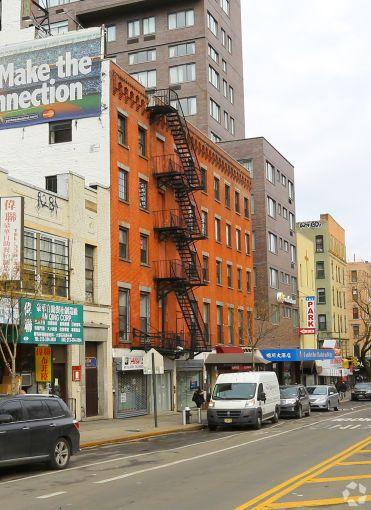 55 Chrystie Street.