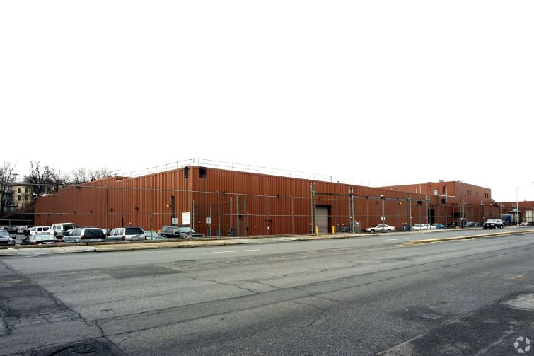 Brinks' custom-built facility at 652 Kent Avenue stores cash and features a shooting range.