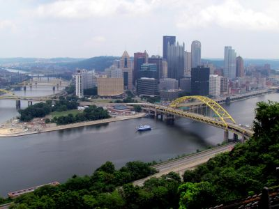 A shot of Downtown Pittsburgh, with the Parkway North submarket to the east.