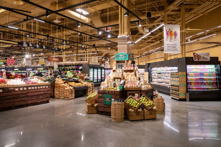 The opening of Wegmans' first New York City location attracted more than 25,000 shoppers.