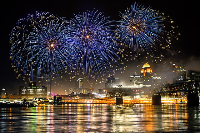 The Kentucky Derby Festival Louisville fireworks display, seen from the Indiana side of the Ohio River.