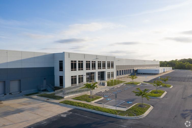 Mid-Atlantic Commerce Center