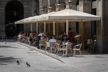 outdoor bar barcelona after shutdown