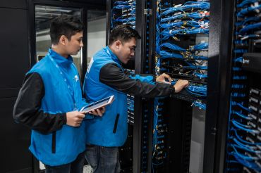 Colony Capital will invest $1.2 billion in Vantage Data Centers and 12 data centers in the United States and Canada.