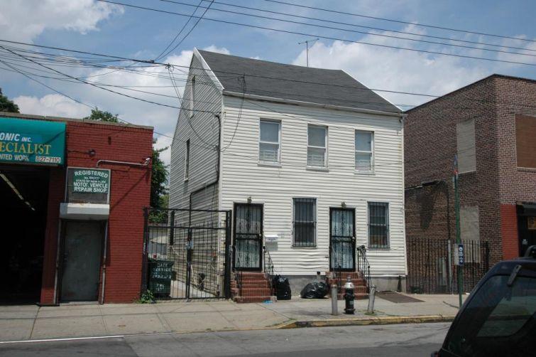 551 Liberty Avenue