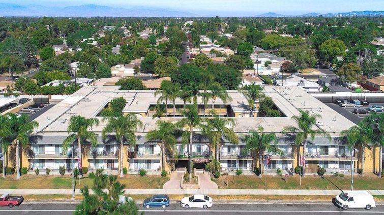 HSR paid about $229,661 per unit for the property at 6262 Reseda Boulevard on the west side of the San Fernando Valley.