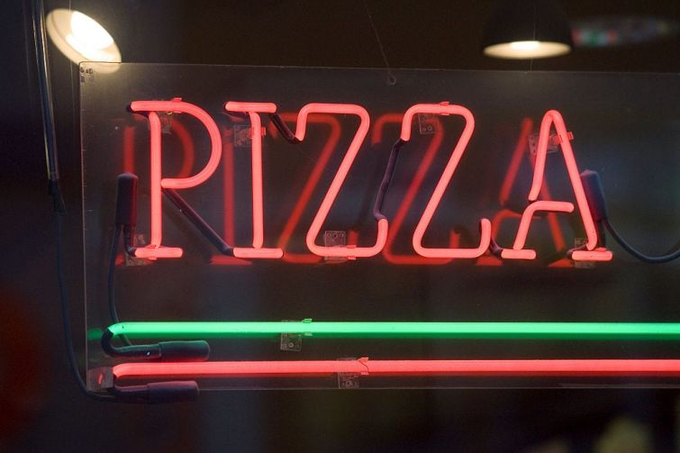 Joe's Pizza is looking at places in Miami.
