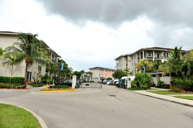 PEMBROKE PINES, FL.