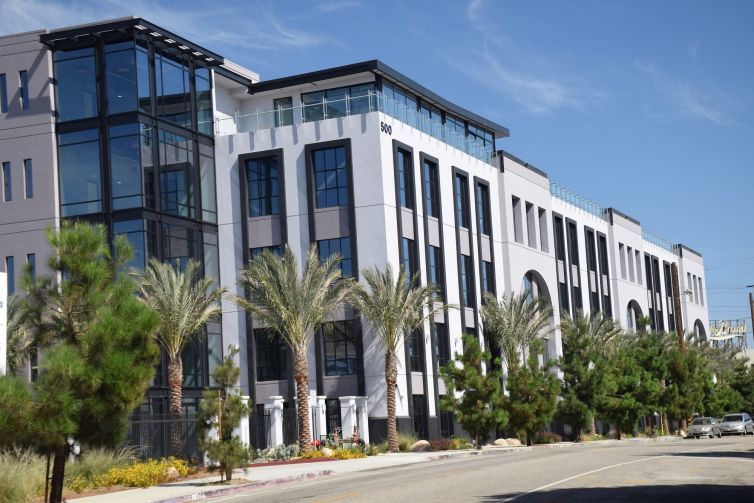 The 150,451-square-foot Class A creative office campus, located at 500 and 540 South Santa Fe Avenue near the Los Angeles River and 4th Street bridge, currently sits vacant.