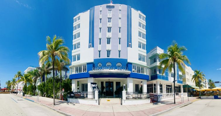 Ceilno South Beach hotel