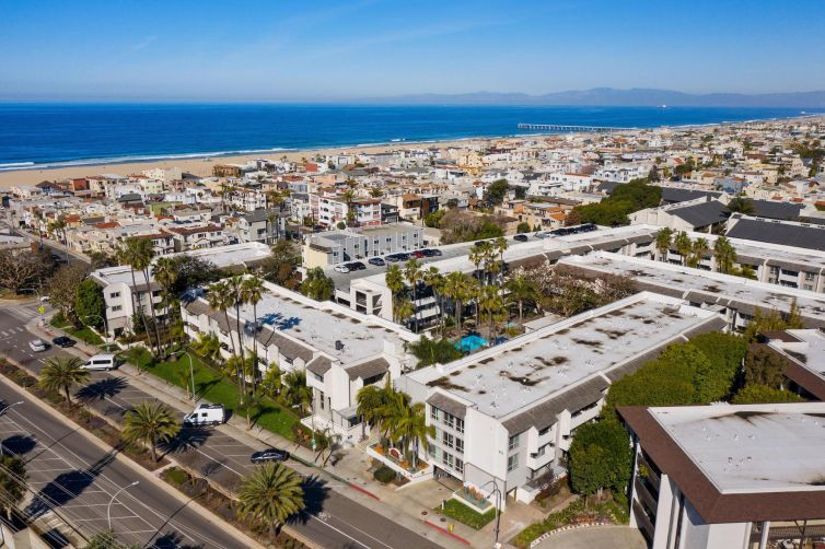Playa Pacifica was built in 1972 on four acres at 415 Herondo Street.