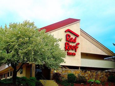 The HomeTowne Studios by Red Roof extended stay hotels in this portfolio performed very well in the 12 months through April 2021, amid the pandemic.