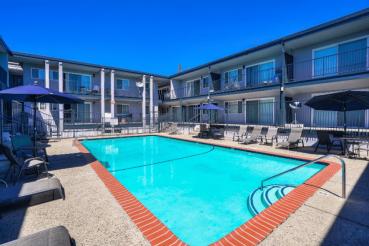Bristol Apartments in Los Angeles