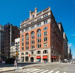 L&L and STUDIOS Architecture renovated 150 Fifth Avenue into new offices for Mastercard.